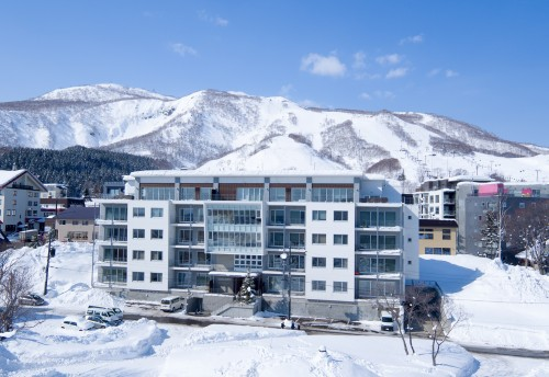 September Specials - Niseko Ski Package - Youtei Tracks